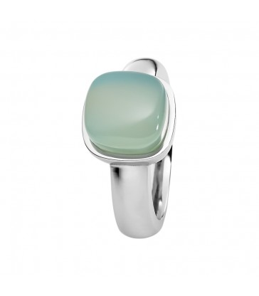 Ring with chalcedony